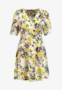 Vero Moda - VMMIAMI SHORT DRESS - Vardagsklänning - pristine/miami - 3