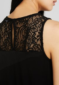 Vero Moda - VMMILLA SHORT DRESS - Sukienka z dżerseju - black - 5