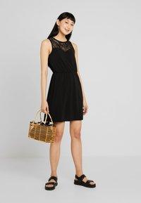 Vero Moda - VMMILLA SHORT DRESS - Sukienka z dżerseju - black - 1