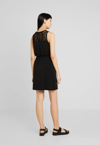 Vero Moda - VMMILLA SHORT DRESS - Sukienka z dżerseju - black - 2
