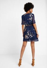 Vero Moda - VMCARINA BELT SHORT DRESS - Kjole - black iris/gabby - 2