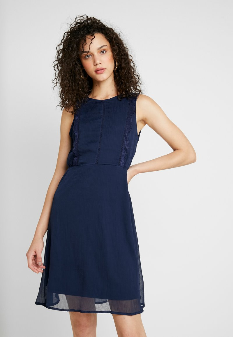 Vero Moda - VMBIRGITTA DRESS - Freizeitkleid - navy blazer