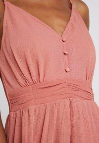 Vero Moda - VMMARLYN SINGLET DRESS - Koktejlové šaty/ šaty na párty - brick dust - 6