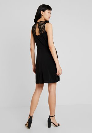 VMALBERTA DRESS - Žerzejové šaty - black