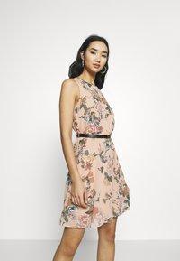 Vero Moda - VMSUNILLA SHORT DRESS - Day dress - mahogany rose - 0