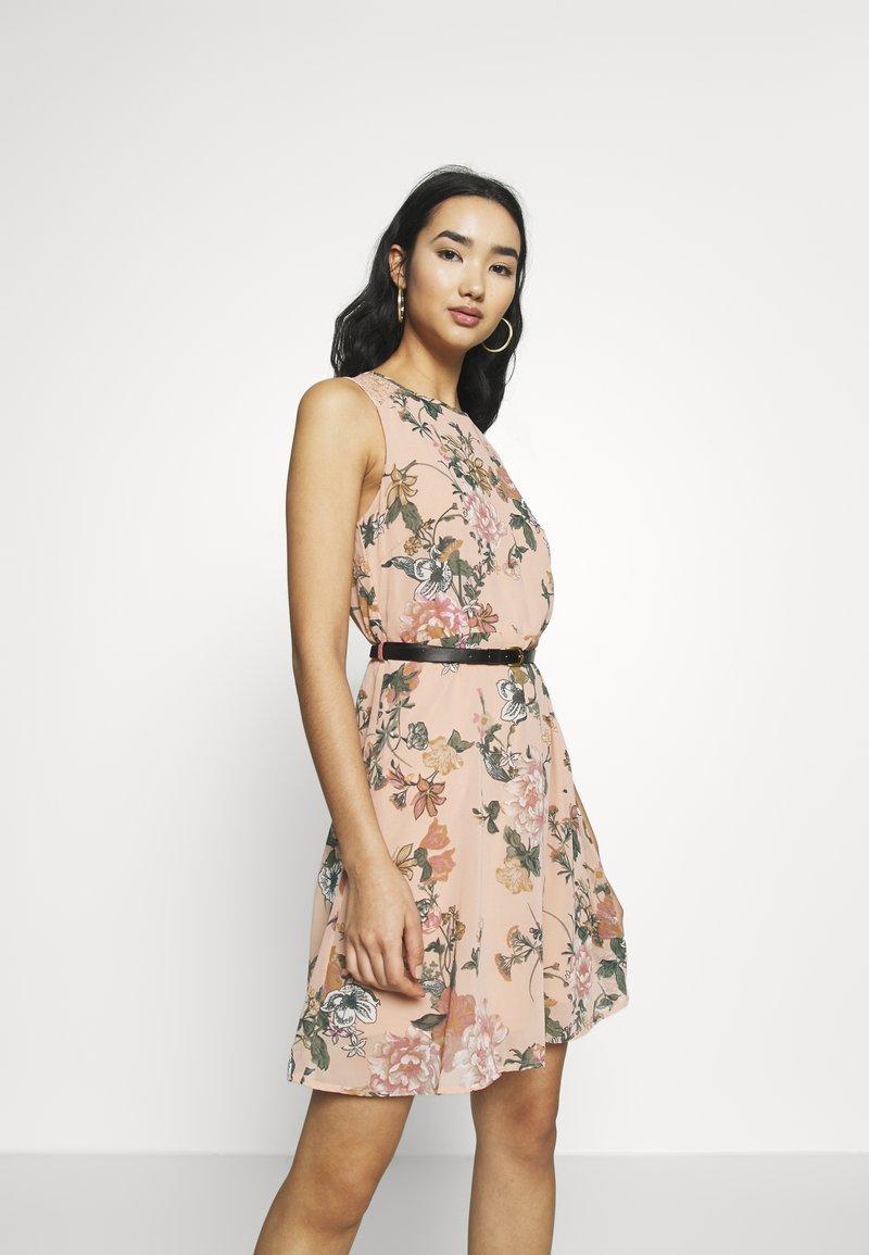Vero Moda - VMSUNILLA SHORT DRESS - Day dress - mahogany rose