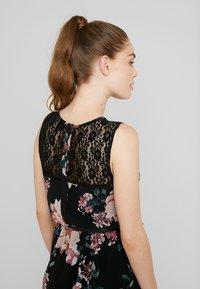 Vero Moda - VMSUNILLA SHORT DRESS - Kjole - black/sunilla - 5