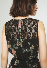 Vero Moda - VMSUNILLA SHORT DRESS - Denní šaty - black - 3