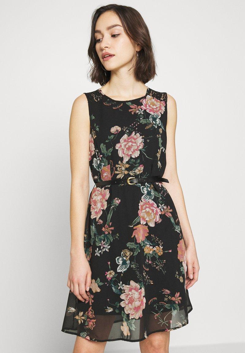 Vero Moda - VMSUNILLA SHORT DRESS - Denní šaty - black