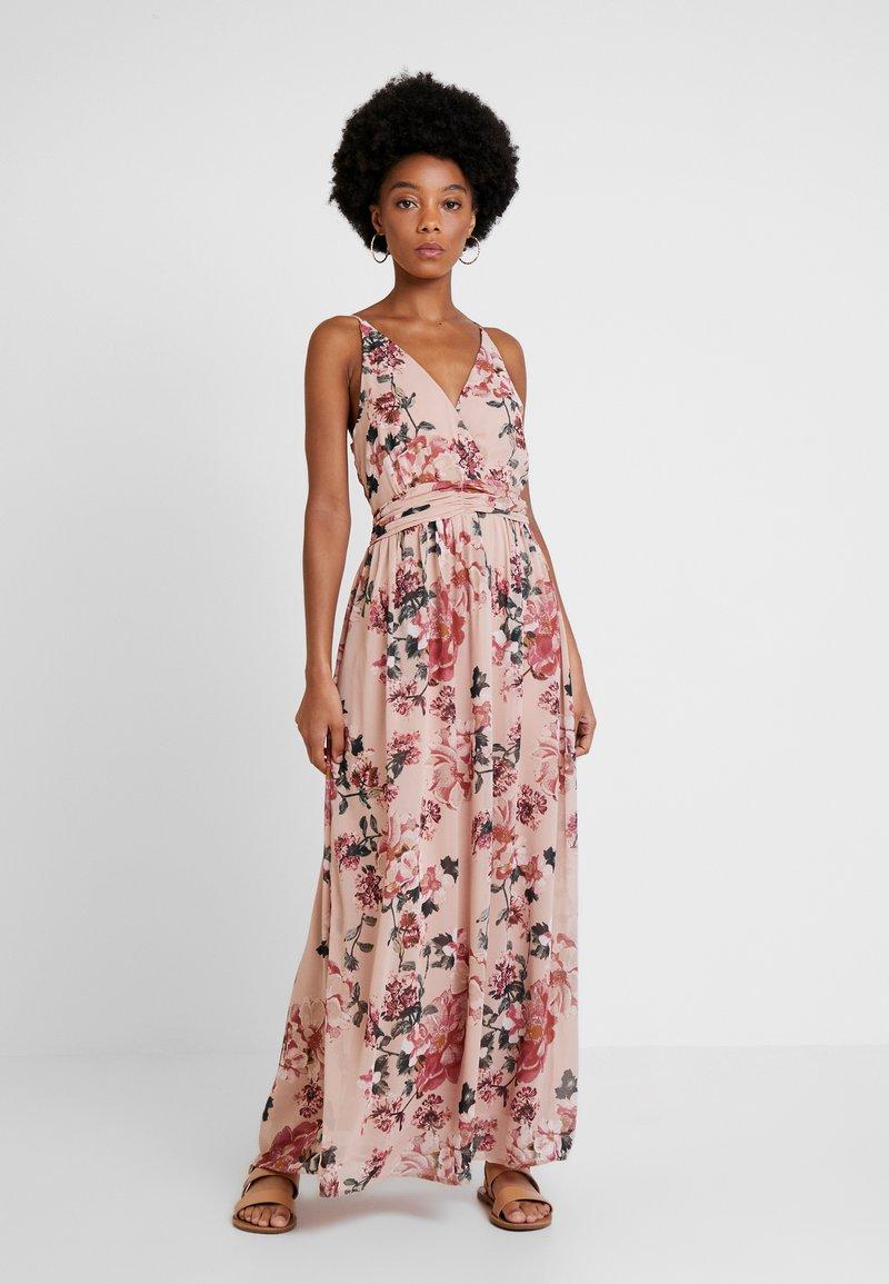 Vero Moda - VMSUNILLA DRESS - Maxikleid - light pink