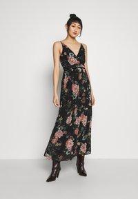 Vero Moda - VMSUNILLA DRESS - Maxi dress - black - 0