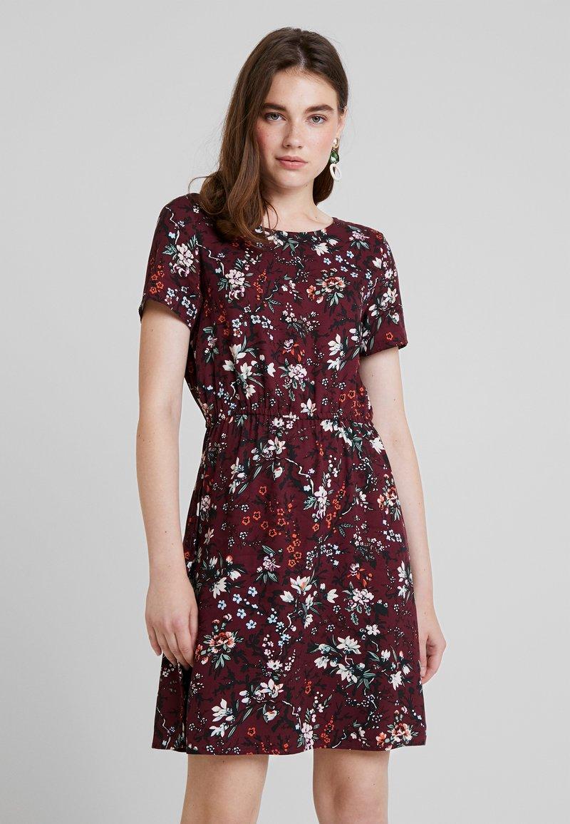 Vero Moda - AUTUMN AMAZE SHORT DRESS - Denní šaty - port royale