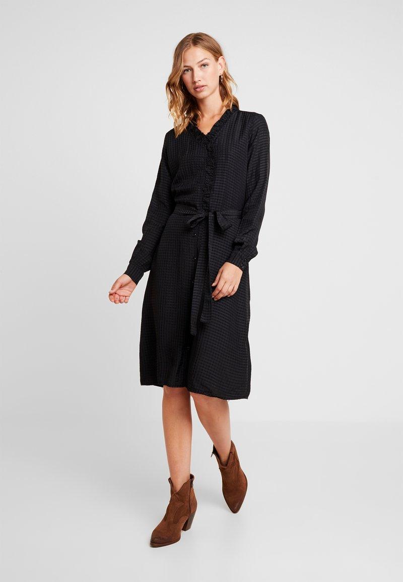 Vero Moda - VMPIL DRESS  - Freizeitkleid - black