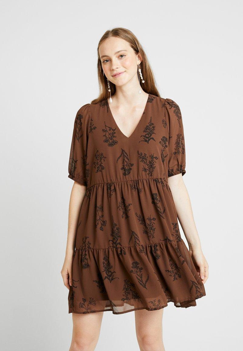 Vero Moda - VMIRIS DRESS - Freizeitkleid - shopping bag/iris black