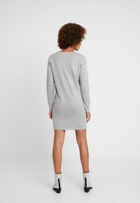 Vero Moda - VMDIANE V-NECK DRESS - Abito in maglia - light grey melange - 2
