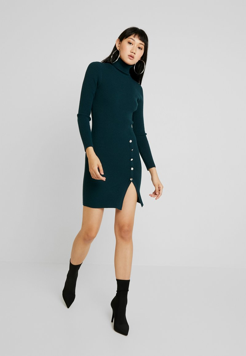 Vero Moda - VMABA BUTTON ROLLNECK DRESS - Strickkleid - ponderosa pine/silver