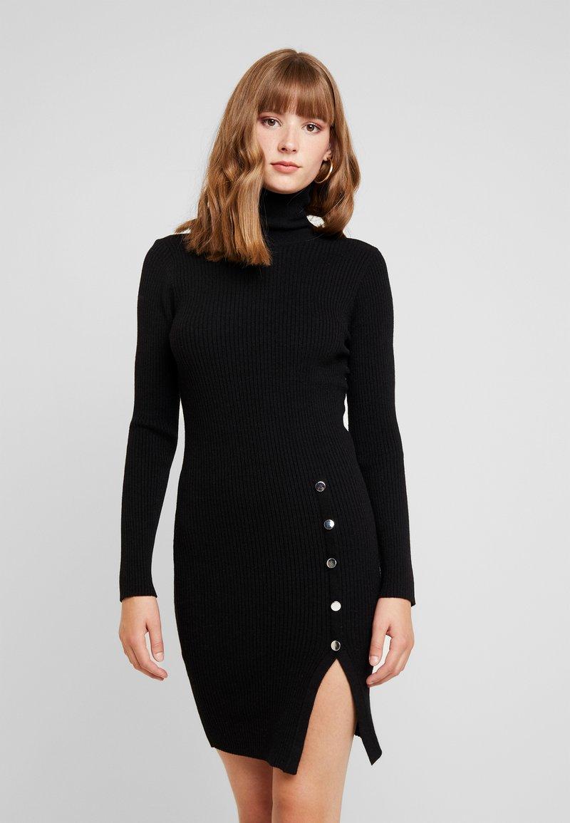 Vero Moda - VMABA BUTTON ROLLNECK DRESS - Strickkleid - black