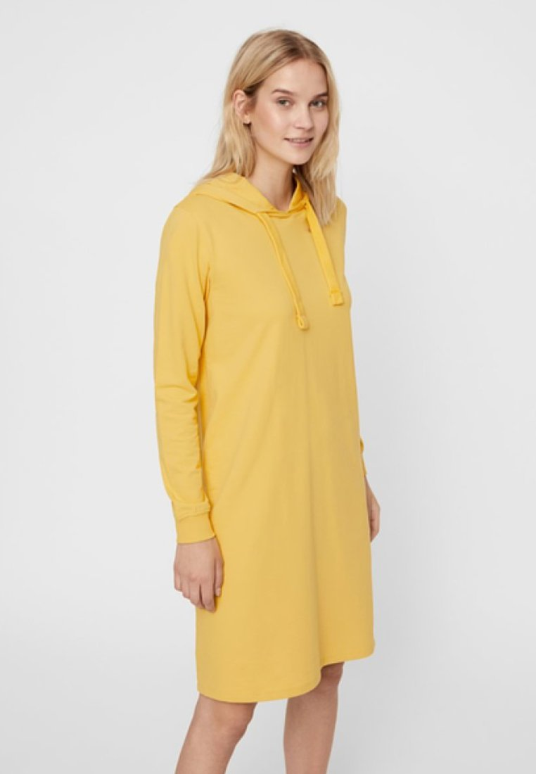 Vero Moda - Vestido informal - yellow