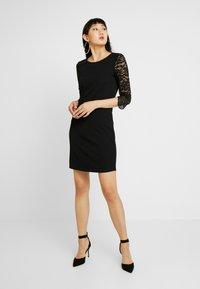 Vero Moda - VMCLARA 3/4 SHORT DRESS - Etuikleid - black - 0