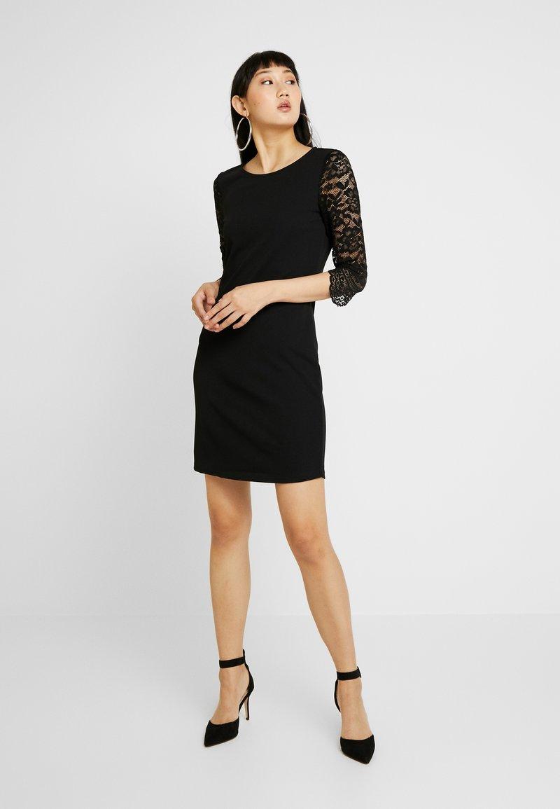 Vero Moda - VMCLARA 3/4 SHORT DRESS - Tubino - black