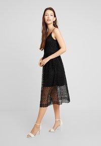 Vero Moda - VMMADELEINE CALF DRESS - Denní šaty - black - 2
