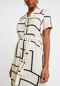 Vero Moda - VMDALION SLIT DRESS  - Skjortklänning - oyster grey - 6