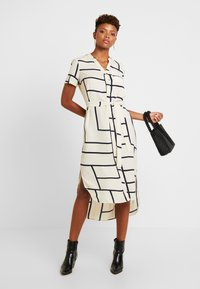 Vero Moda - VMDALION SLIT DRESS  - Skjortklänning - oyster grey - 2