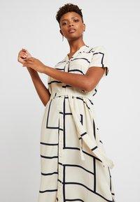 Vero Moda - VMDALION SLIT DRESS  - Skjortklänning - oyster grey - 4