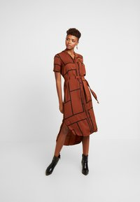 Vero Moda - VMDALION SLIT DRESS  - Skjortklänning - tortoise shell - 0