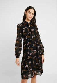 Vero Moda - VMROSSY SMOCK DRESS - Sukienka letnia - black - 0