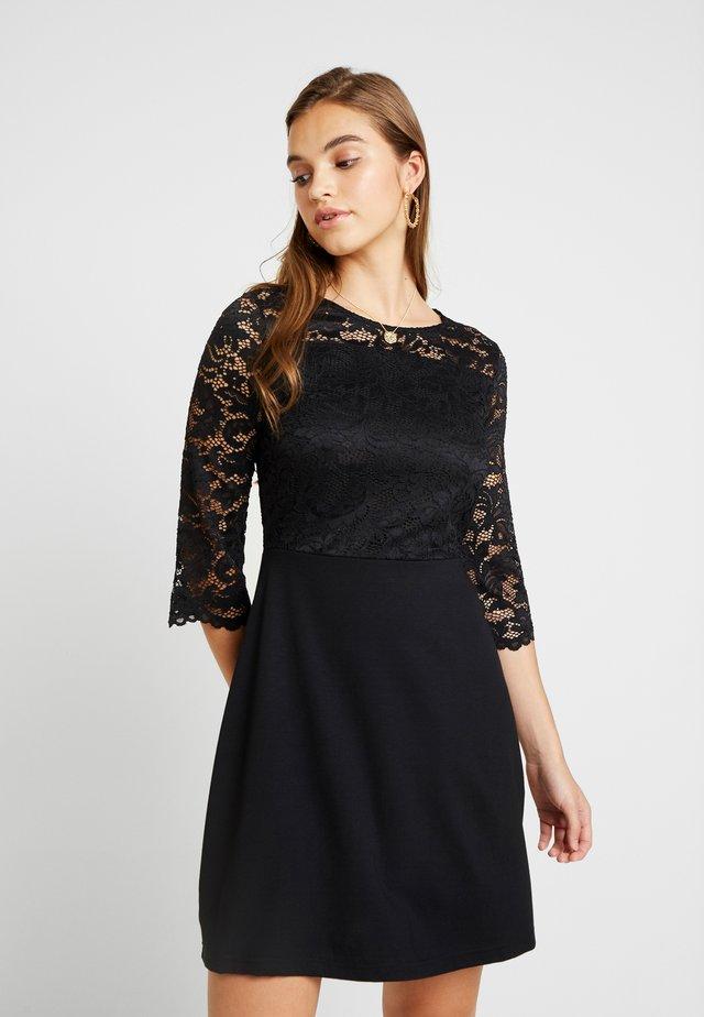 VMSILLE 3/4 SHORT DRESS - Žerzejové šaty - black