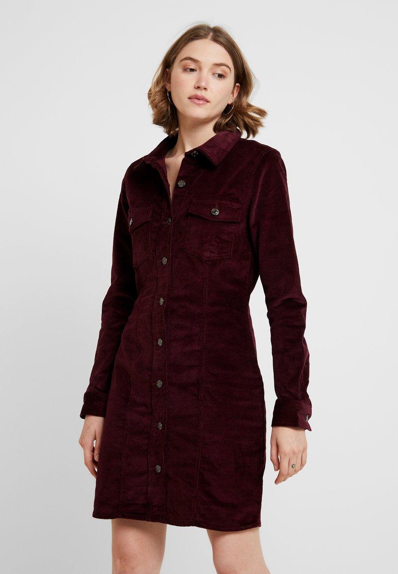 Vero Moda - VMTARA SHORT DRESS - Blusenkleid - port royale