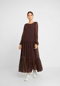 Vero Moda - VMROBERTA ANCLE DRESS - Maxi šaty - night sky/tortoise - 0