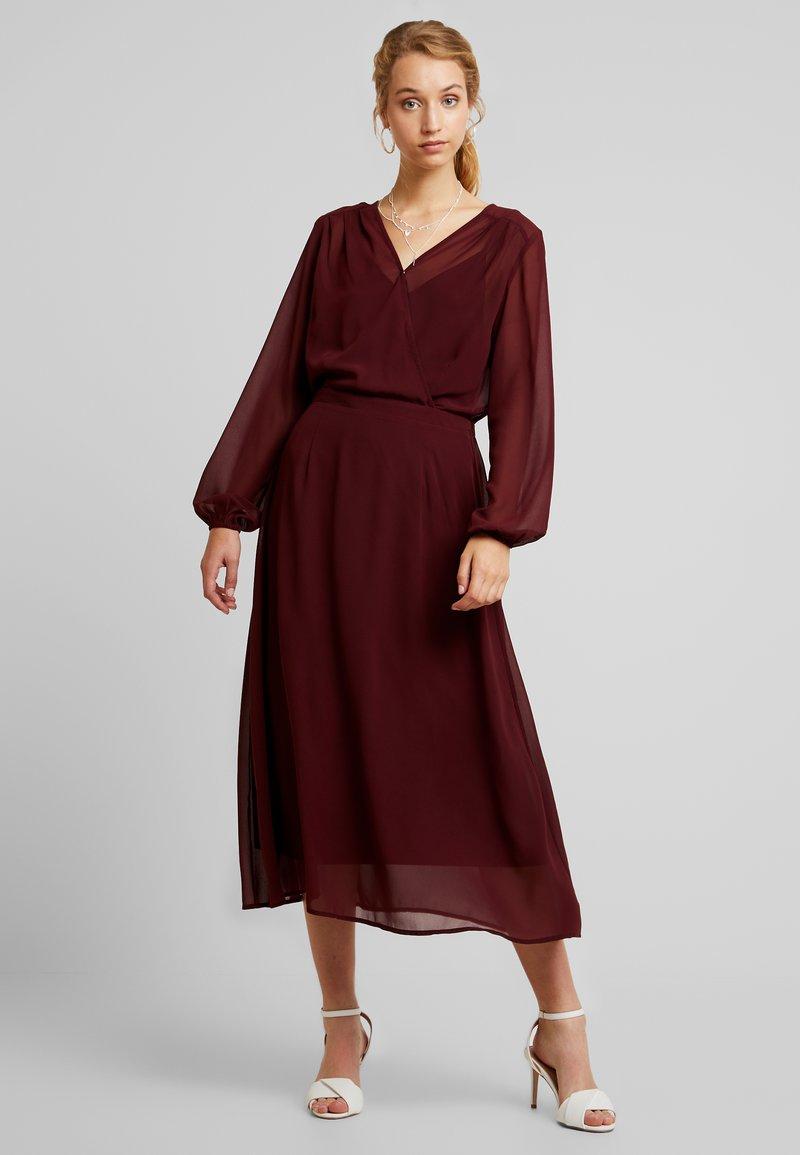 Vero Moda - VMGROA WRAP DRESS - Kjole - port royale