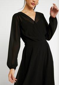 Vero Moda - VMGROA WRAP DRESS - Robe d'été - black - 7