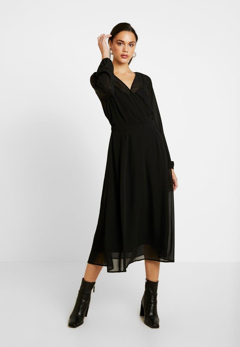 Vero Moda - VMGROA WRAP DRESS - Denní šaty - black