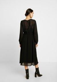 Vero Moda - VMGROA WRAP DRESS - Robe d'été - black - 3