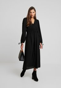 Vero Moda - VMEDDA DRESS - Robe chemise - black - 2