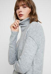 Vero Moda - VMLUCI  - Jumper dress - light grey melange - 5