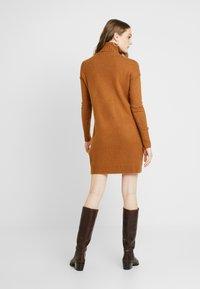Vero Moda - VMLUCI  - Gebreide jurk - tobacco brown - 3