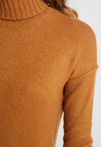 Vero Moda - VMLUCI  - Gebreide jurk - tobacco brown - 4
