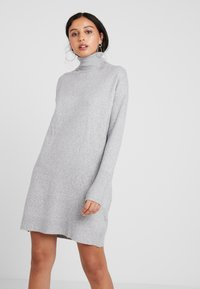 Vero Moda - VMBRILLIANT ROLLNECK DRESS - Vestido de punto - light grey melange - 0