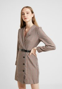 Vero Moda - VMALICIA SHORT DRESS - Day dress - tobacco brown - 0