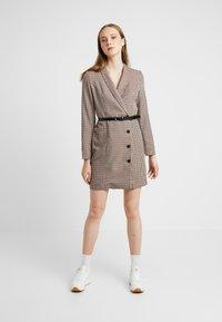 Vero Moda - VMALICIA SHORT DRESS - Robe d'été - tobacco brown - 2