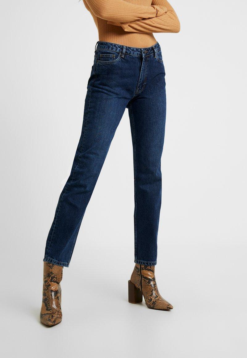 Vero Moda - VMOLIVIA STRAIGHT JEANS - Jeans Straight Leg - dark blue denim