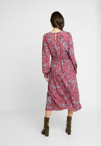 Vero Moda - VMMALLIE SMOCK DRESS - Vapaa-ajan mekko - hawthorn rose - 3
