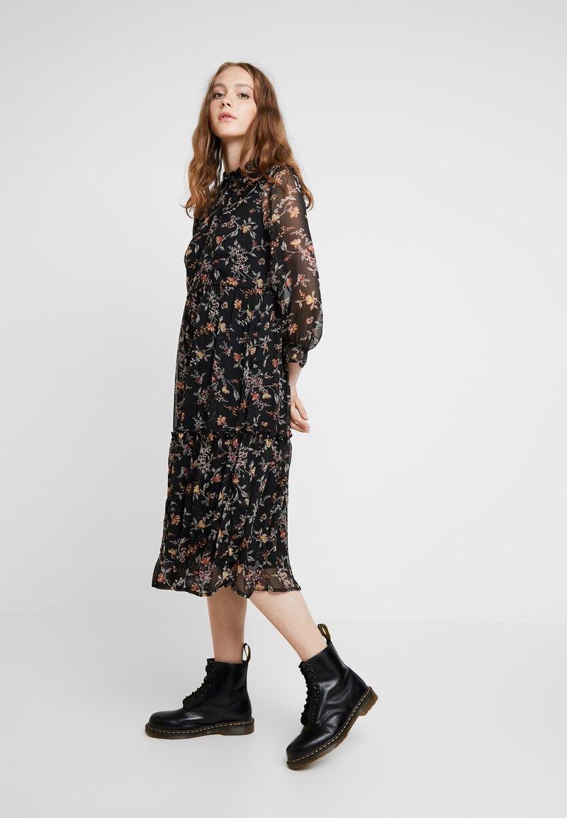 Vero Moda - VMTINI CALF DRESS - Maxikleid - black