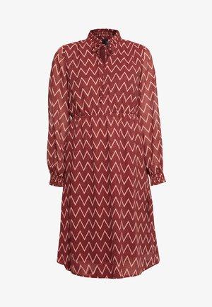 VMAURORA CALF DRESS - Denní šaty - cowhide/brick