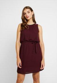 Vero Moda - VMDORTHEA SHORT DRESS - Denní šaty - winetasting - 0