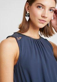 Vero Moda - VMDORTHEA SHORT DRESS - Denní šaty - ombre blue - 6